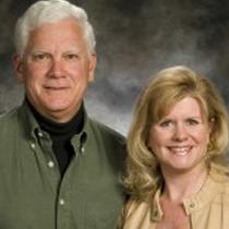 Ron and Terri Hudak agents at Lowder New Homes