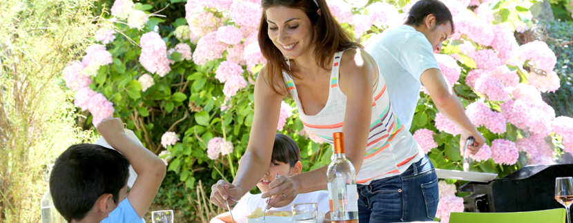 Eating Outside Tips from Lowder New Homes